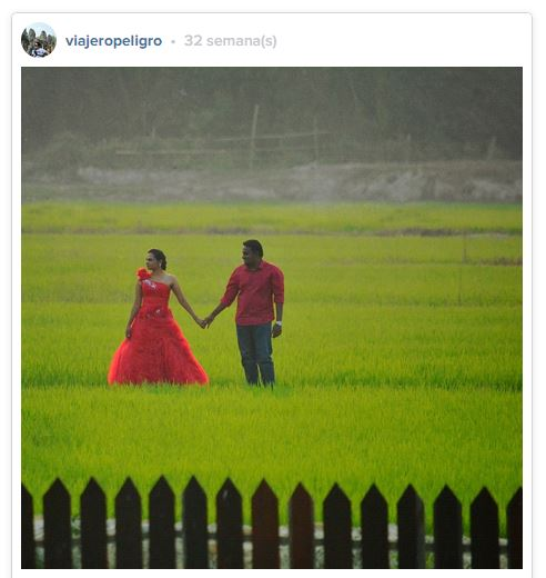Pareja india en sesión de fotos de compromiso. Arrozales en Kuala Pila, Malasia -Sigueme en Instagram @ViajeroPeligro